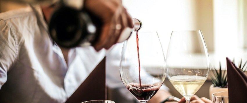 alcohol damages liver